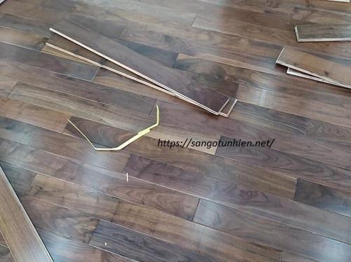 Sàn gỗ ÓC Chó 18 * 120 * 900mm