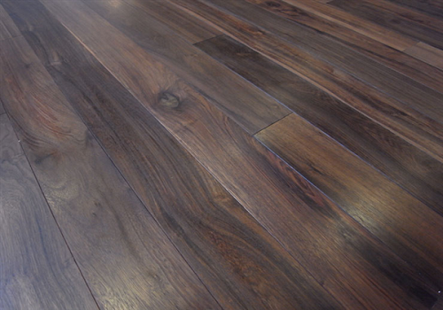 Sàn gỗ Chiu Liu 18 * 120 * 1050mm
